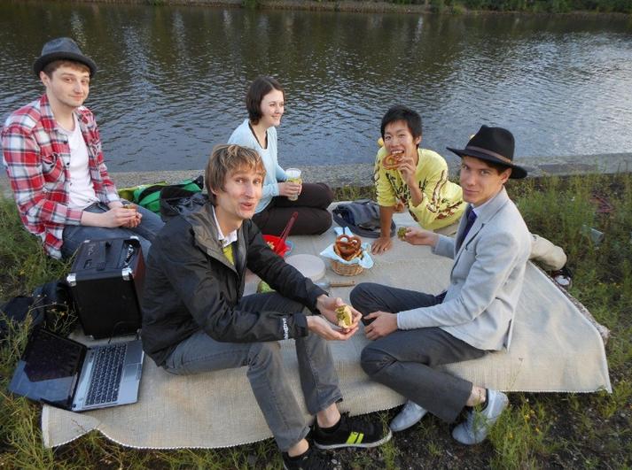 picnic marimo